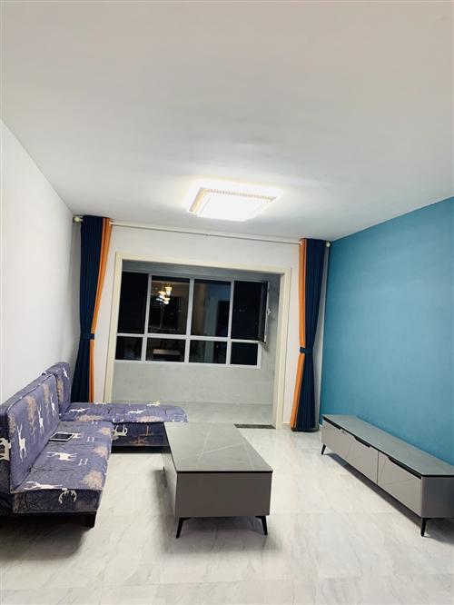 蓝色沙发一个 购买的时候480 刚开始想出租 现在不出租了 想换一个沙发 这个低价出售 350 自取...