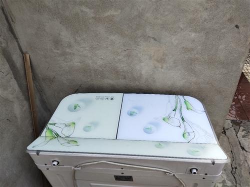 长虹8公斤洗衣机  买了不到10天   因搬家太大拿不动。   特价 260   可以免费送货  ...