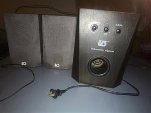 ��X音�2.1,交流�供�,���3.5音�l插口。�в谐�重低音,立�w��h�@�,音色��美,�I的�r候�r值5...