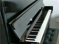 托雅玛钢琴120黑色八成新自用钢琴,在家闲置欲出售,联系电话13993792840
