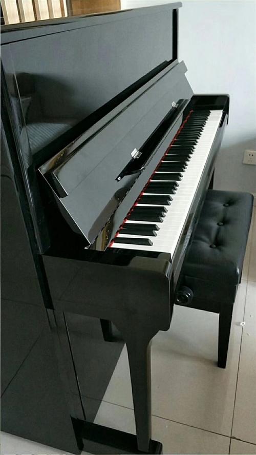 托雅瑪鋼琴120黑色八成新自用鋼琴,在家閑置欲出售,聯系電話13993792840