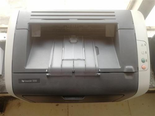 惠普HP1010激光打印机,真正的大品牌值得信赖,九成新,个人回收的打印机,无打印问题,硒鼓是新的,...