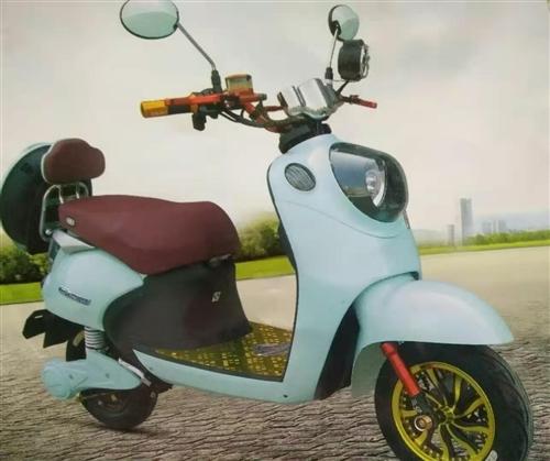 出售二手小鸟踏板电动车一辆  手续牌照保险证件齐全  有意者请打电话  非诚勿扰1819378023...