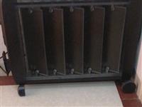 出售八成新室内电暖机。