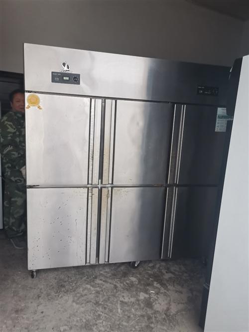 低價出售九成新展示柜,有三門的,兩門的,還有商用六門冰箱,都是純銅管的,買的**的只用兩三個月,還在...