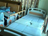 九五成新的全自动护理床,三千来元买的没怎么用过,侧翻身,坐起,抬腿等功能方便实用,适合行动不便人士及...