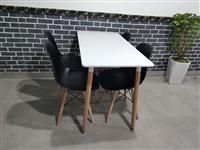 餐椅处理,长1.2米,宽60公分 桌子1张,黑色椅子4把,一套200元,总3套 图四单把可折叠椅...