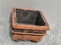 小陶瓷,可用于栽种小型花草,也可用来观赏