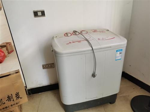 二手半自动洗衣机,看中的带走,之前一直用起的,换了洗衣机,闲置在家!180元!