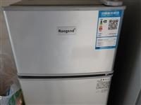 小冰箱 8成新 150元 滨水国际
