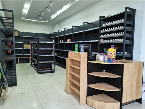 超市貨架低價處理,七月份買的,九成新,價格私聊,電話18281917090微信同號,二手回收商家也可...