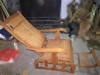 碳化摇椅,因为房子未住所以基本没用,99新,表面完整,椅背可摇可调,青州自取