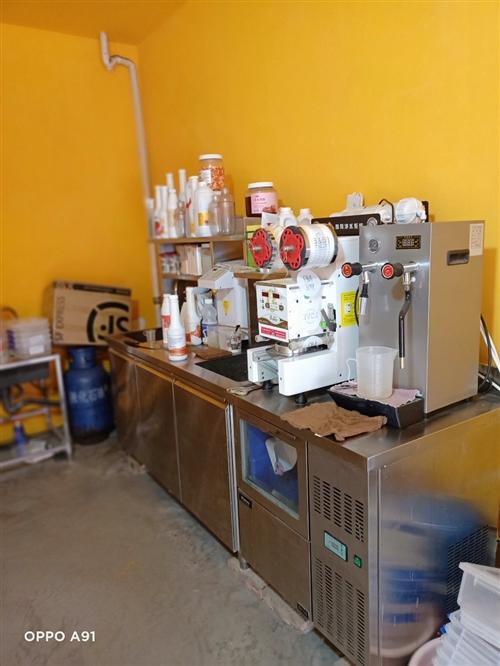 茶饮水吧所有设备转让价格面议,地址离石南关小学巷内,电话18734231943
