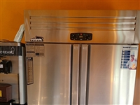 冰激凌汉堡机鸡排设备冰箱都是九成新,电话18734131943,地址离石区南关小学巷内,价格面议 ...