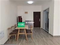 莲花苑小区,三室两厅一卫出租精装修末住,拎包入住家电家具齐全1300一个月