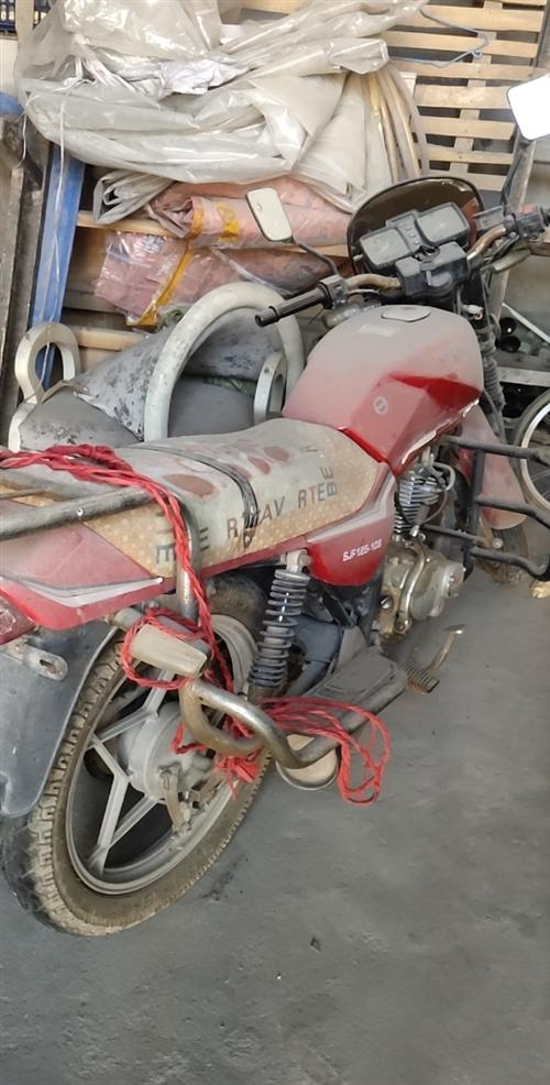 出售125摩托一辆 正常使用