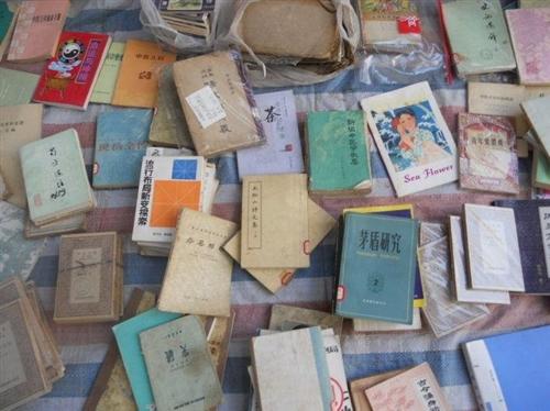高价回收二手书籍和老物件,各种旧书老书,老物件