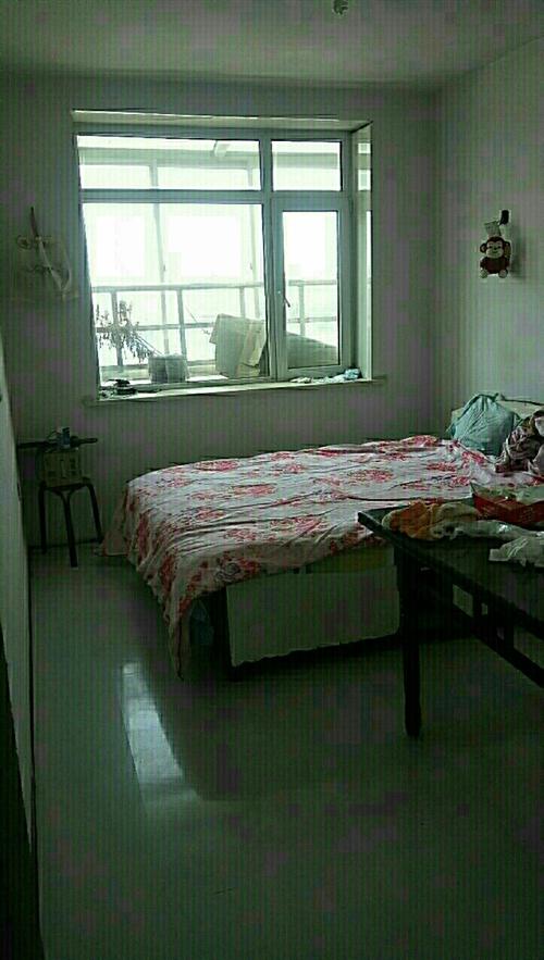 欢心甸一期6/6楼赠阁楼,62平,周围新一高,方大医疗,交通方便,毛坯。
