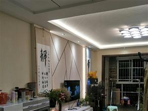 �t翔旁 吉成名苑3�� 3室2�d2�l1��_ 豪�b 135平米 63.8�f