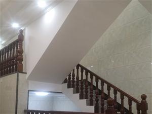 专业安装实木楼梯