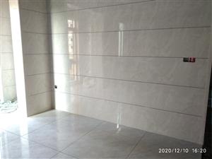 袁师傅精装  专业贴瓷砖二十年