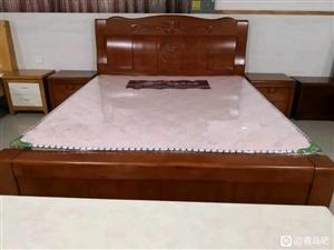 工厂直发实木沙发,茶几影视柜,床