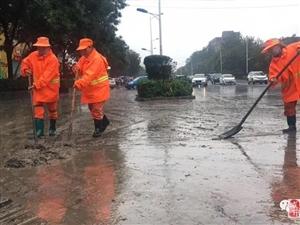 吕梁迎来大暴雨,公路变水路...(图)