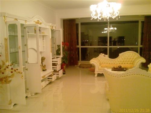 有一套欧式家具便宜卖了
