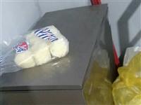 烧烤架、带锅炉 、制冰展示栕 、冰箱、出售