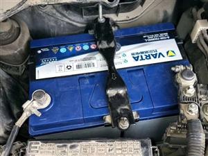 滎陽上街 汽車電瓶上門安裝電瓶沒電搭電充氣幫車補胎