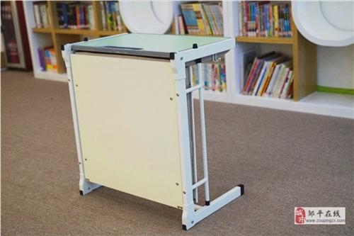 出售中小学生课桌椅,单人课桌椅