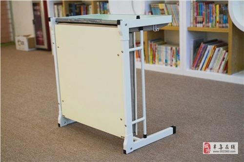 出售学生课桌椅,单人折叠课桌椅,托管辅导班课桌