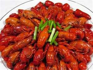 油焖大虾和蒜蓉虾大份108元三斤小份1.5斤78元