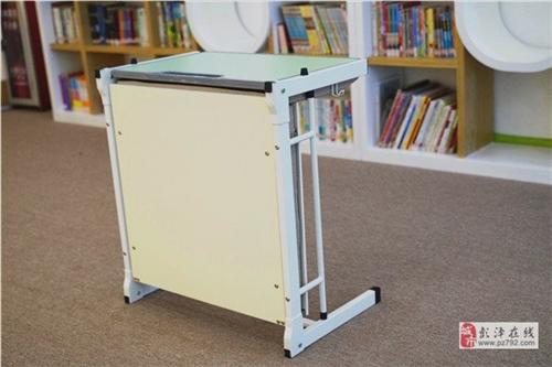 出售学生课桌椅,单人课桌椅,适合托管辅导班课桌椅