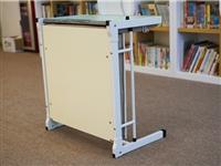 托管辅导班专用课桌椅出售,中小学生单人课桌椅