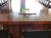 现有8X2.2米纯木会议桌出售  有意来电
