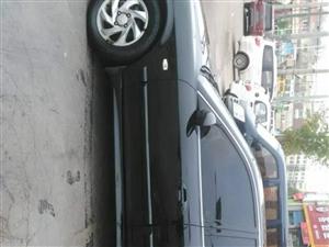 低价出售05年现代索纳塔黑色轿车