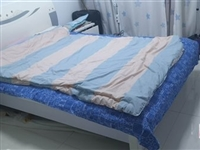 1.5,米箱床双人床,还有新新的床头柜哦