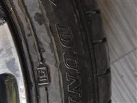 本人有一个大众帕萨特的轮胎和轮毂8成新出售!