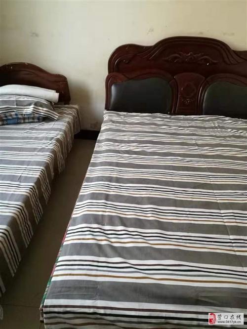 床、床垫、衣柜、书架、冰箱、热水器等低价转让