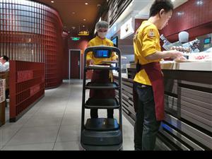 送餐机器人传菜机器人租赁出租准确安全送餐