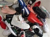 出售几双商场下架运动鞋
