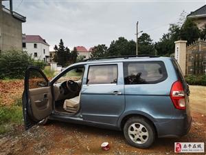 2011年五零宏光SUV