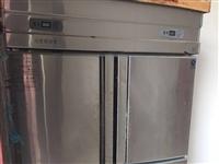 双灶烧天然气的和一个四开门冰箱八成新