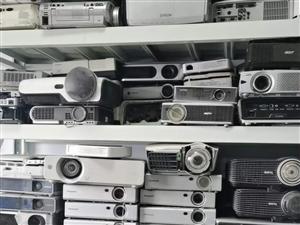专业投影机上门维修河南郑州定点芯片级售后
