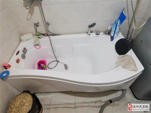 自家用的浴缸,只用了3次,成色嘎嘎新,需上門自提