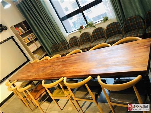 实木长桌一张