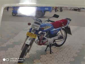 豪爵AX100摩托车