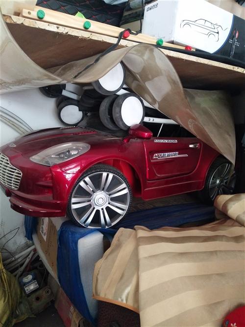 處理孩子用過的電動小汽車和寶寶車,孩子大啦不用啦。