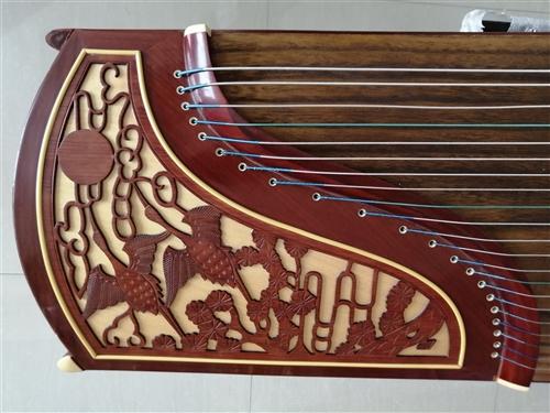 敦煌双鹤朝阳古筝,音色佳,1米63标准筝,适合成人、儿童弹奏,赠送筝架、谱台(赠送的价值150多元)...